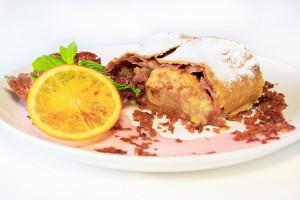 Десерт «Яблочный штрудель»