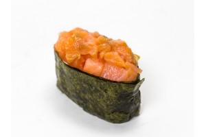 Суши «Лосось со сливочным сыром»